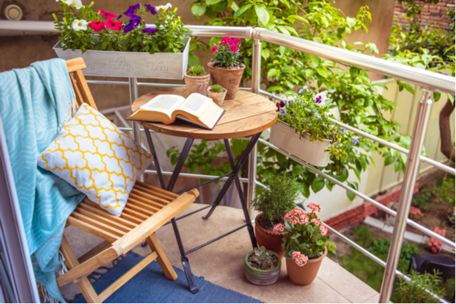 give-your-home-a-summer-refresh-outdoor-space